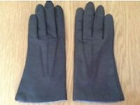 Women's Brown Leather Gloves Size Medium *Worn Once*