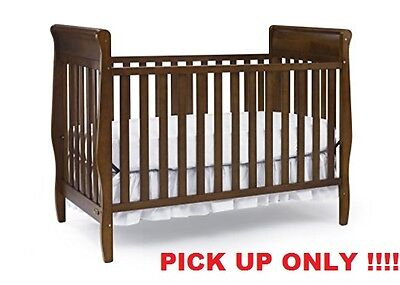 Graco Sarah Classic Crib, Cinnamon PICK UP ONLY !!!!