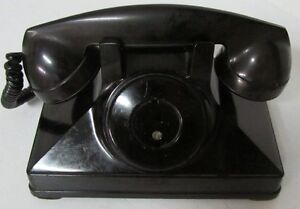 Many Different Vintage Telephones West Island Greater Montréal image 6