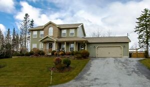 WINFIELD HILLS- Ideal executive Family home! NEW PRICE!!