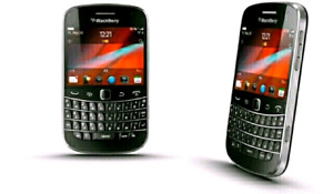 in good condition unlocked blackberry bold 9900
