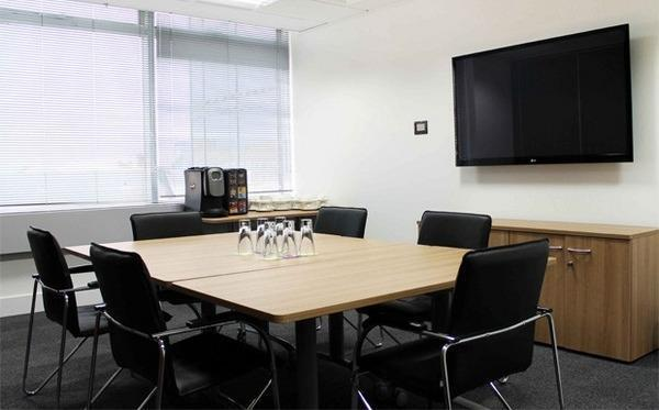 Office space hammersmith w6 london in hammersmith london gumtree - Small office space london property ...
