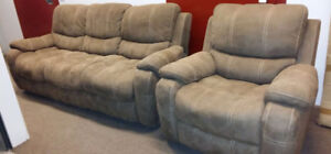 Sofa et fauteuil inclinable Neuf pour 1099.$  Taxes  incluses