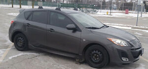 2010 Mazda3 Sport GS Hatchback 2.5L + snow tires/rims