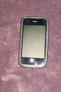 iphone 3  32gb  (roger)