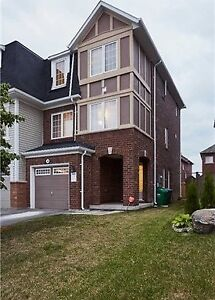 3 Bdrm Gorgeous Freehold Town House for SALE in Brampton Peel!