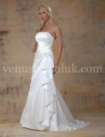 Brand new Wedding dress to die for