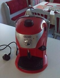 DeLonghi Coffee Maker ECC221 Model - nearly new, in excellent condition