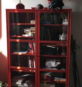 Armoire rouge, portes vitrées IKEA Red Bookshelf