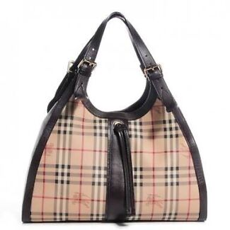 Burberry Tote Bag Up For Sale Mount Gravatt Brisbane South East Preview