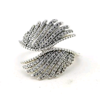 Pandora Majestic feather ring