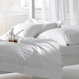 *** SECOND HAND EX 5 STAR HOTEL RESORT LINEN & BATHROOM ITEMS ***
