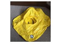 Inflatable swim seat