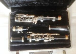Bundy Selmer Clarinet and case