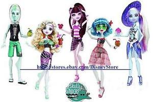Monster-High-SKULL-SHORES-Doll-Draculaura-Ghoulia-Frankie-Black-White-NEW-Rare