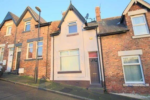 Superb 2 bedroomed mid terraced house in Southwick, Sunderland