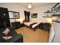 WOW! London Luxury Premium Kingsize room inc Leather SOFA HDTV LCD MODERN NEW Wifi In Room