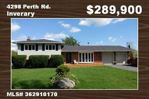 Nicely updated Move in ready 3 Bdrm w/double garage in Inverary