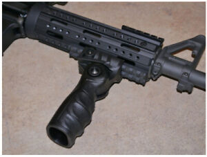 Tactical folding fore grip for picatinny rail