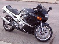 À VENDRE! PIÈCES USAGÉS DE kawasaki ninja zx600d 1990 a 1993