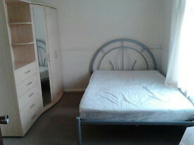ALL BILLS INCLUDED! Ground floor Furnished Double Hatfield Room to rent / let / share