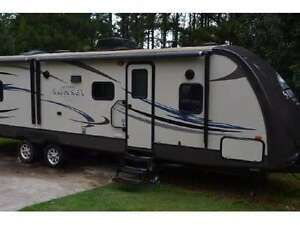 2012 Crossroads Sunset Reserve 29' trailer - Excellent Condition