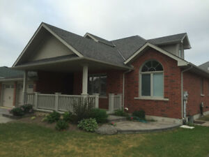 EXECUTIVE HOME FOR RENT  - LINDSAY, ON