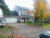 COUNTRY HOME   (LAKEVILLE)