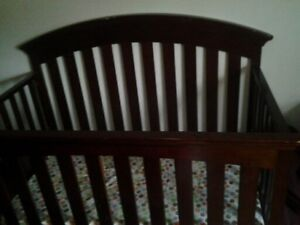 Crib/toddler bed for sale