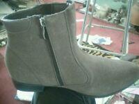 Ladies sz43 fashion boots