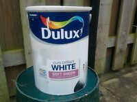 Dulux Brilliant White Soft Sheen Paint,Large 5l container, about 3/4 left,less than a year old £4