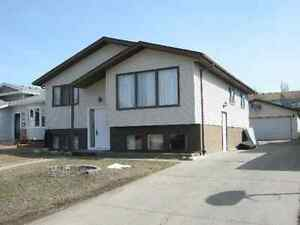 4 Bedroom Mainfloor rental South Edmonton