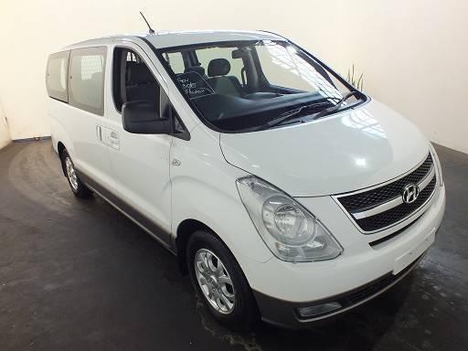 7 & 8 Seater Van hire. People Mover hire. CarZrental. Rent a Van