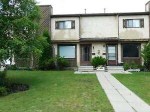 Spacious Townhome Available August 1 168 Metcalf Ave      $1250