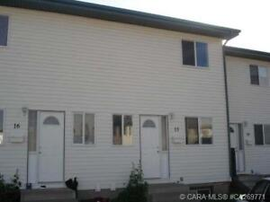 2 bedroom townhouse for rent close to Bower Ponds