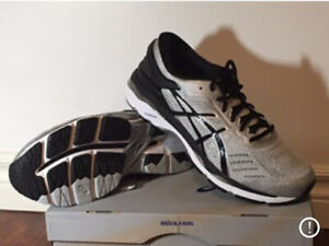 Mint Condition Mens' Asics Gel Kayano 24 (2E) Running Shoes