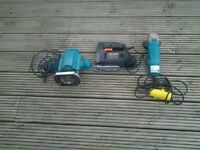 Job lot of power tools - Makita router, Black and Decker jigsaw and Makita angle grinder.