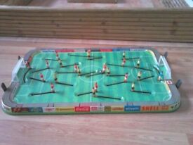 1960,s TECHNOFIX 305 EUROPA CUP TIN FOOTBALL GAME, GERMAN MADE, EXCELLENT CONDITION.