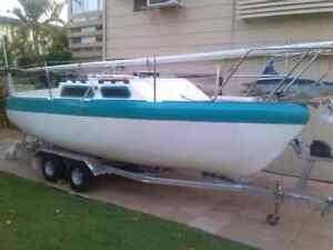 Roberts trailer sailor 22 Point Vernon Fraser Coast Preview