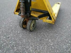 "Pallet Pump Truck-used,27x48"",5500Lbs,Nylon Tyres,working good"