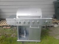 $100.00 Or Best Offer Barbecue With Side Burner ( No Trades. )