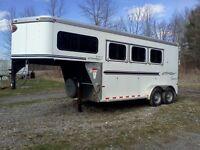 2007 Sundowner Horse Trailer...3 horse slant