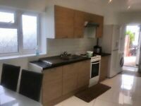 2 Bed Modern, Furnished Ground Floor Property available immediately.