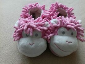 Slippers kids size 8 next
