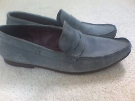 SUEDE MENS DESIGNER PENNY LOAFERS - LIGHT GREY SUEDE IN TOP CONDITION - COST £145 / SIZE: UK10