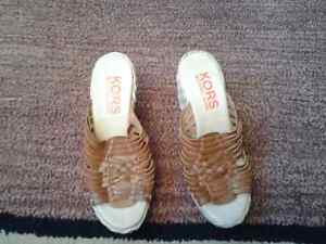 MICHAEL KORS SANDALS LEATHER SIZE 8M NEW FROM EXPOSITION