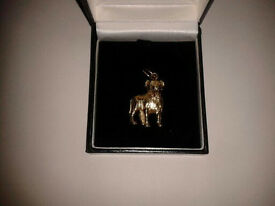 9ct Gold Bulldog pendant