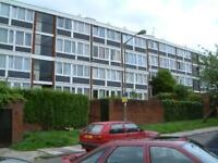 5 bedroom flat in Sherfield Gardens, Roehampton , SW1