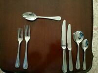 Arthur Price cutlery set