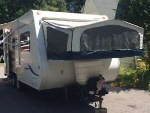 Roulotte Hybride Jayco Jay Feather EXP 19H